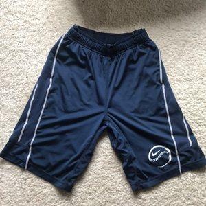 Nike dri-fit boys basketball shorts sz L